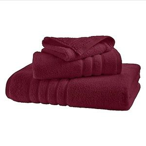 Hotel Collection~2 luxurious Bath Towels